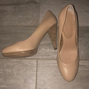 Banana republic heels .